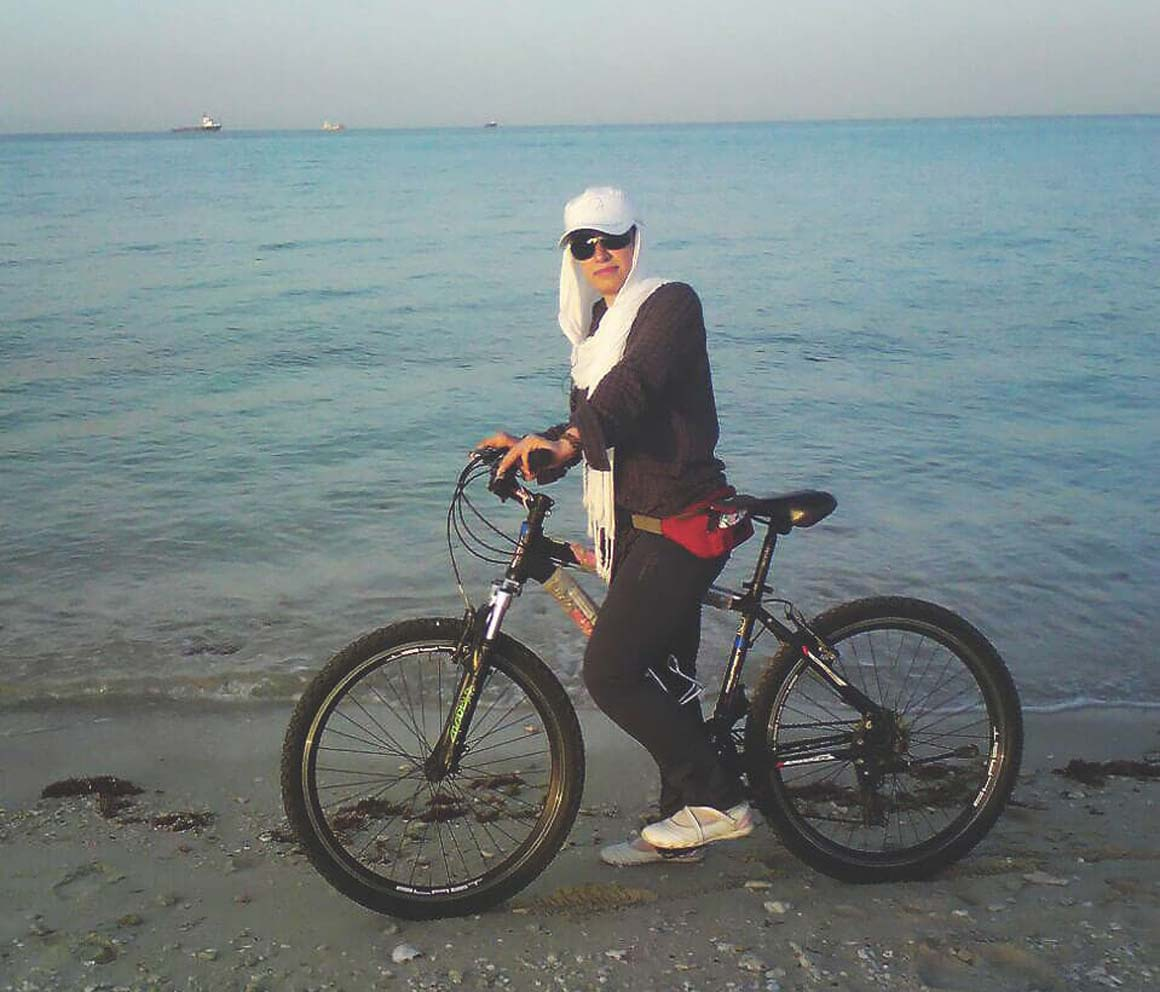 femme vélo iran